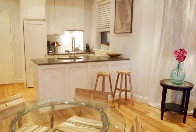 Soho 3BR/2BA - Amazing neighborhood.  Everything is just outside your door! photo 53582