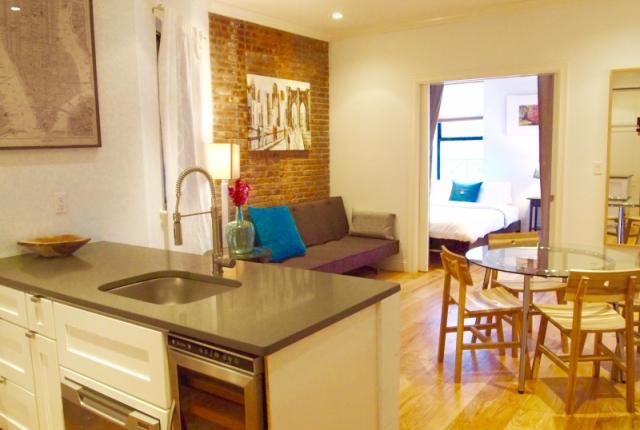 Soho 3BR/2BA - Amazing neighborhood.  Everything is just outside your door! photo 53577