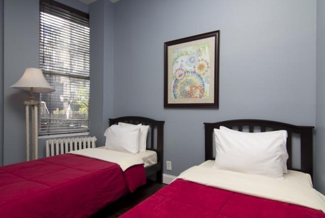 Spacious 4 Bedroom Apartment in Times Square photo 51582